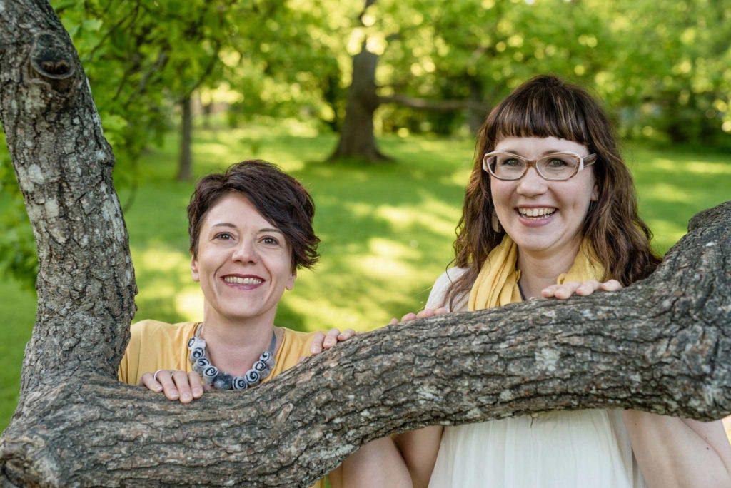 Sari Mäenpää ja Julia Mälkki - Perhepalvelut ILO Oy